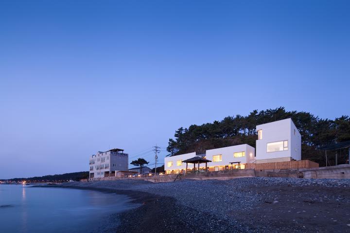 바닷가 마을 풍경이 된 울산 'ㄱ'자 집