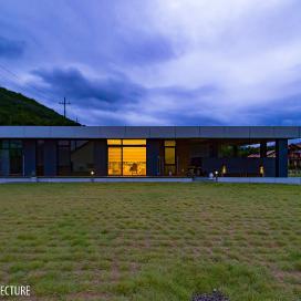 대지를 품은 단독주택 Line Villa30 단독주택, 단층주택, 1층주택, 노출콘크리트, 석재타일