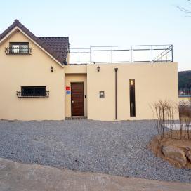 박공지붕이 어우러진 가평 단독주택 스타코, 박공지붕, 단독주택, 가평주택, 전원주택