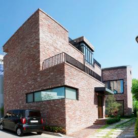 붉은벽돌로 단아한 미가 있는 판교 단독주택 단독주택, 판교주택, 벽돌주택