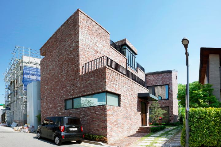 붉은벽돌로 단아한 미가 있는 판교 단독주택