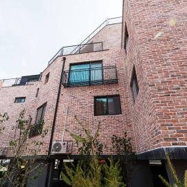 파벽돌과 징크가 어우러진 다가구주택 광주주택, 다가구주택, 파벽돌, 징크판넬