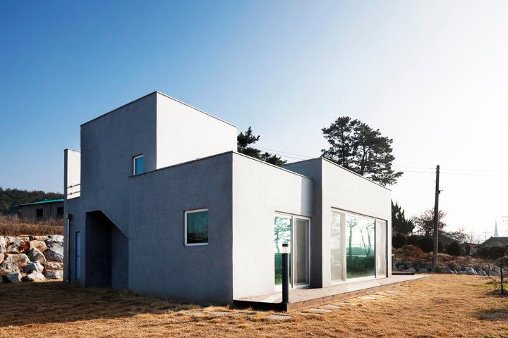절도있는 직선이 이뤄낸 모던 주택