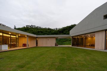 풍경화가 있는 집