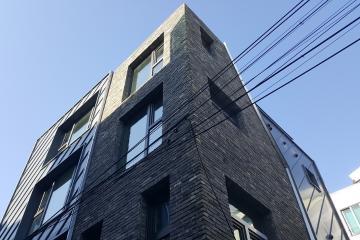 벽돌이 모여 모던하우스를 이루다